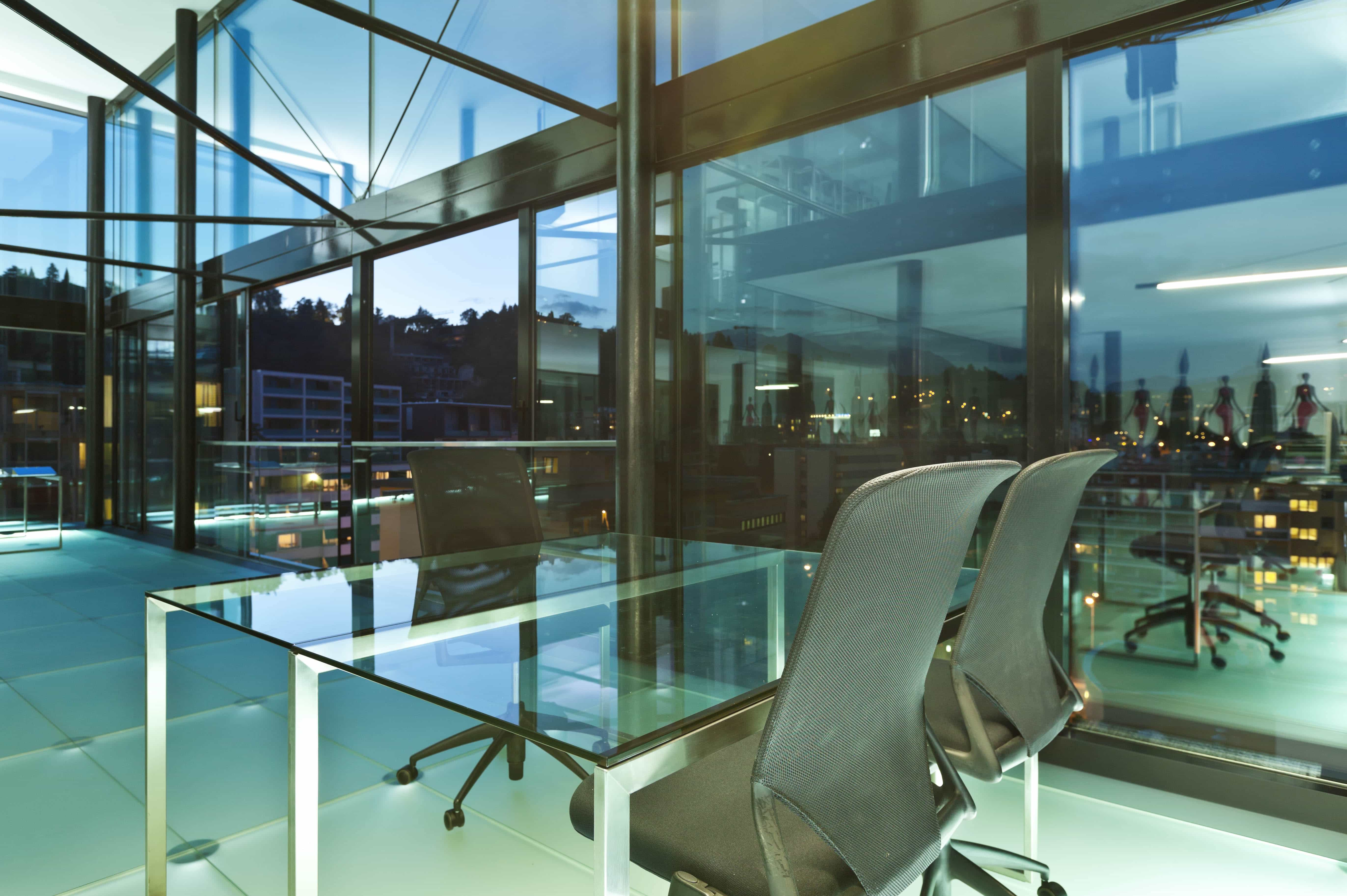 glass desk1
