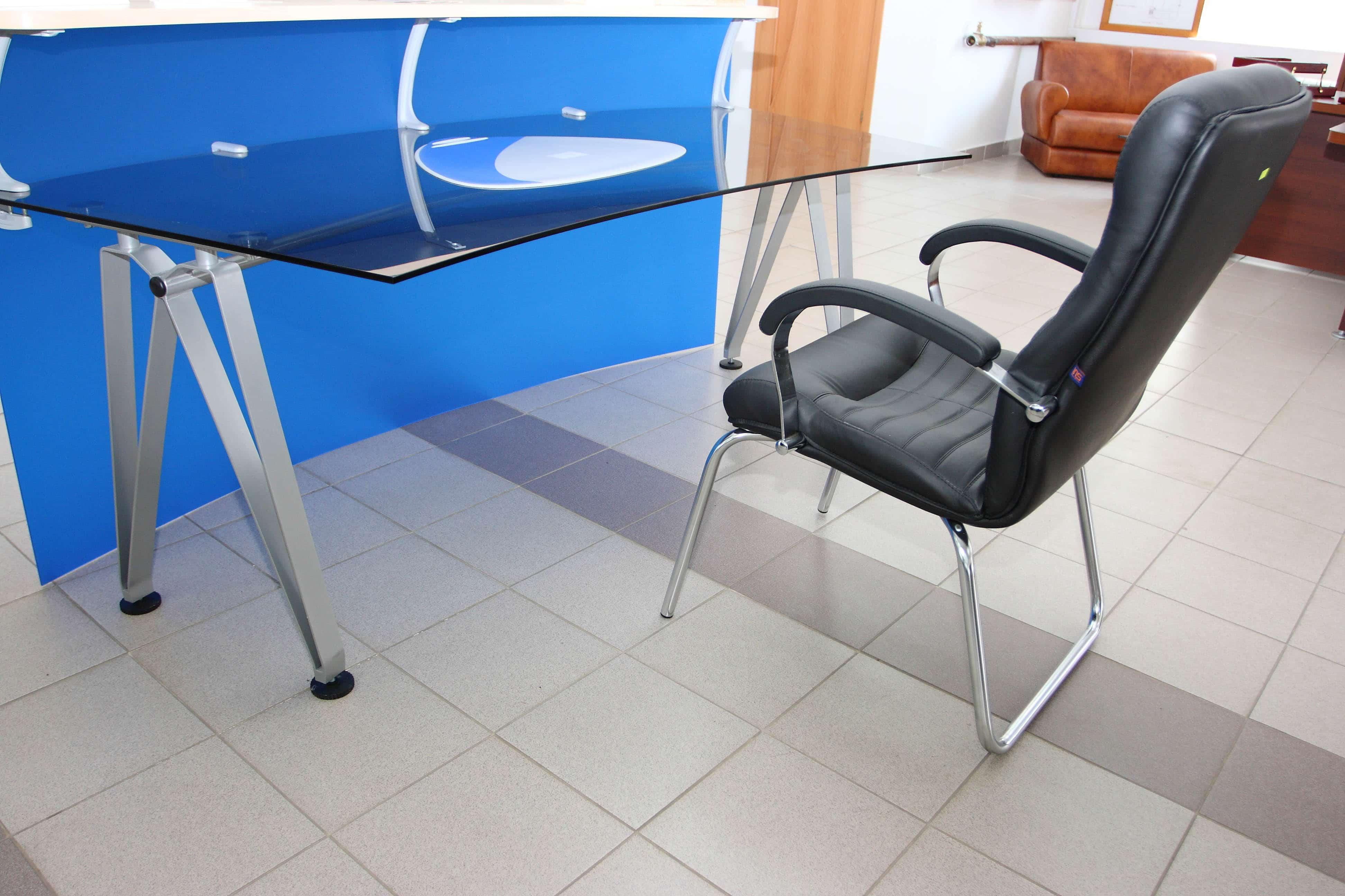glass desk2